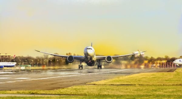 Advantages and Disadvantages of traveling by Plane