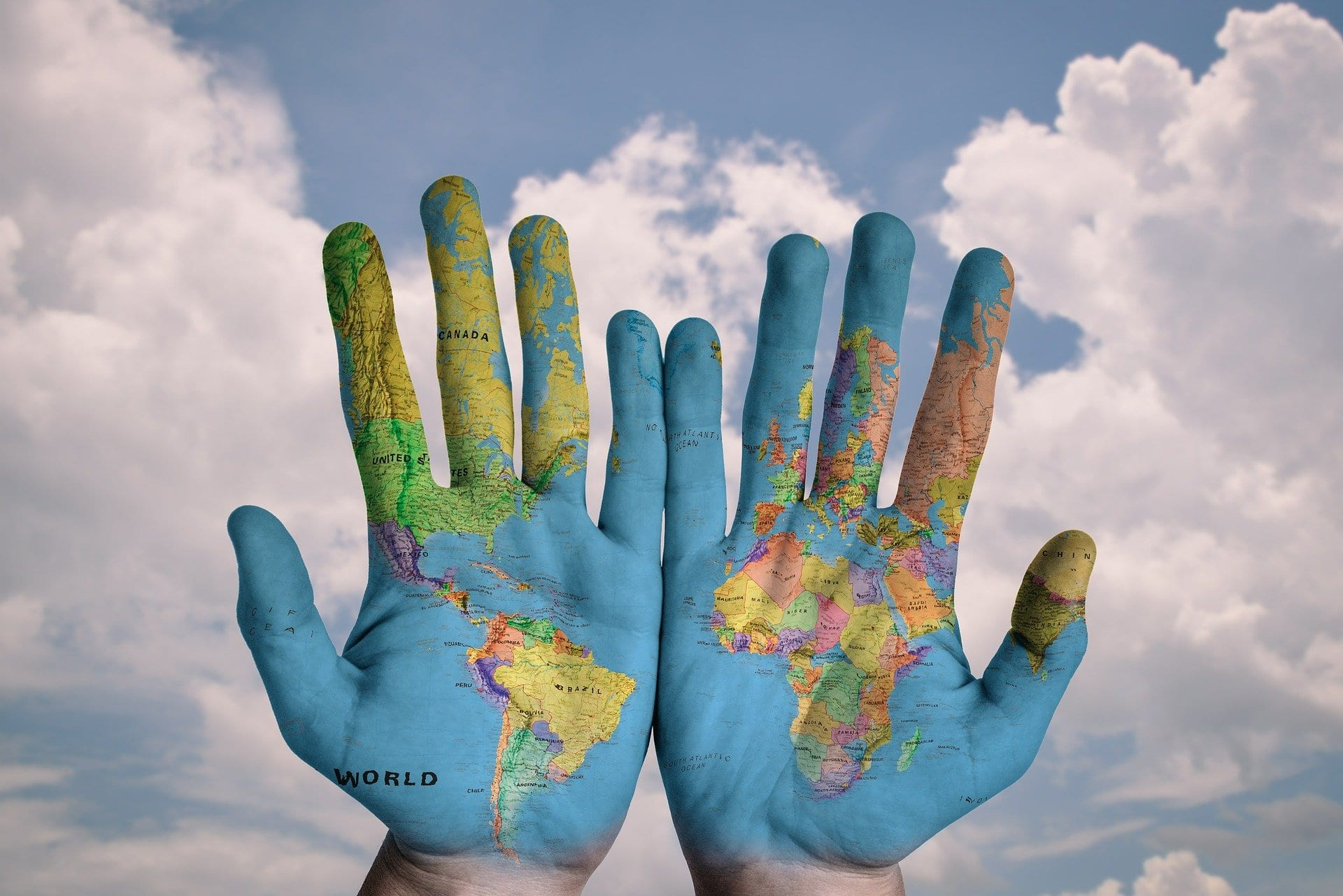 advantages and disadvantages of globalization in developing countries