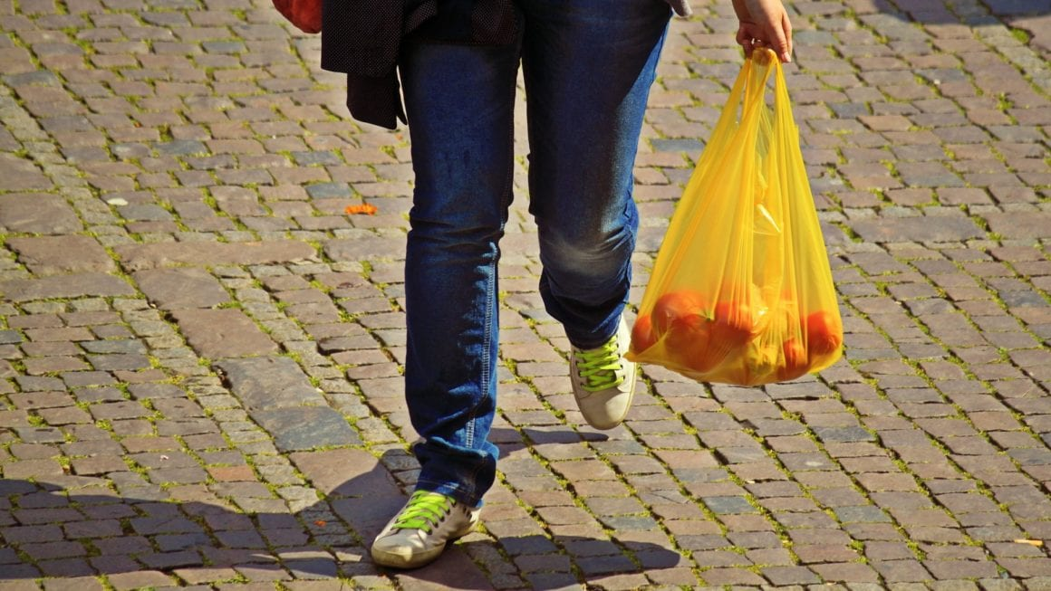 advantages and disadvantages of using plastic bags