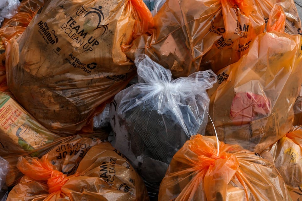 disadvantages of using plastic bags made of polythene