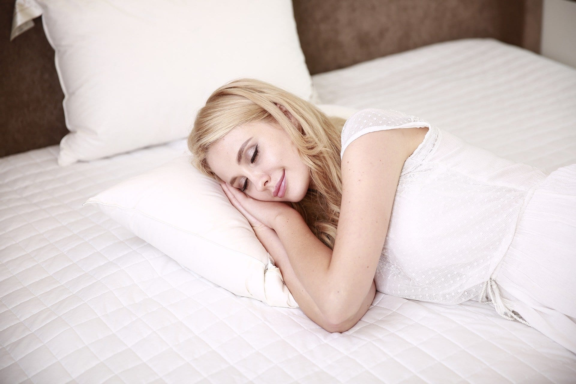 Advantages and disadvantages of sleeping in afternoon