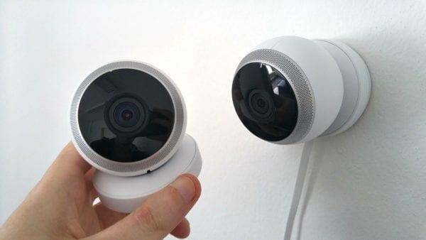 Advantages and Disadvantages of CCTV Cameras at Public Places