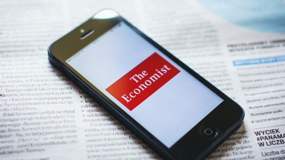 advantages of reading newspaper over internet