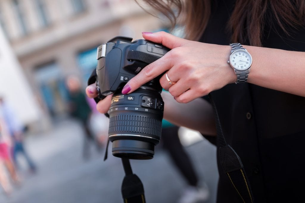 what to know before buying a dslr camera