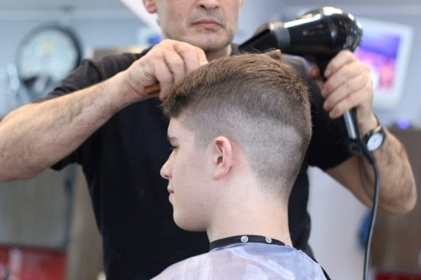 Advantages and Disadvantages of being a Barber