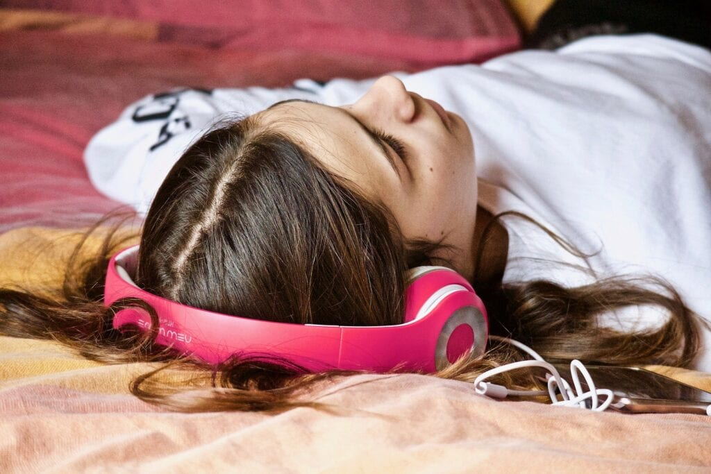 Hum and Listen to good music