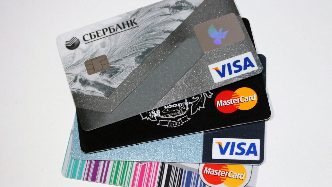 What Are The Things To Know Before Getting a Credit Card?