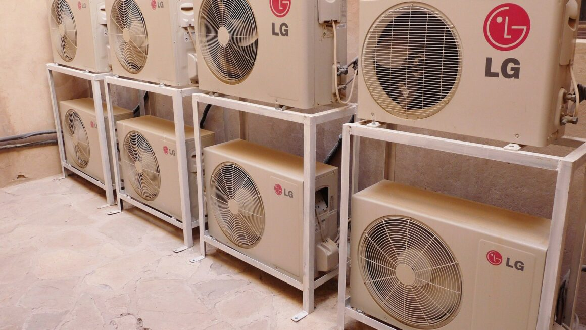 Advantages and Disadvantages Of Using An Air Conditioner