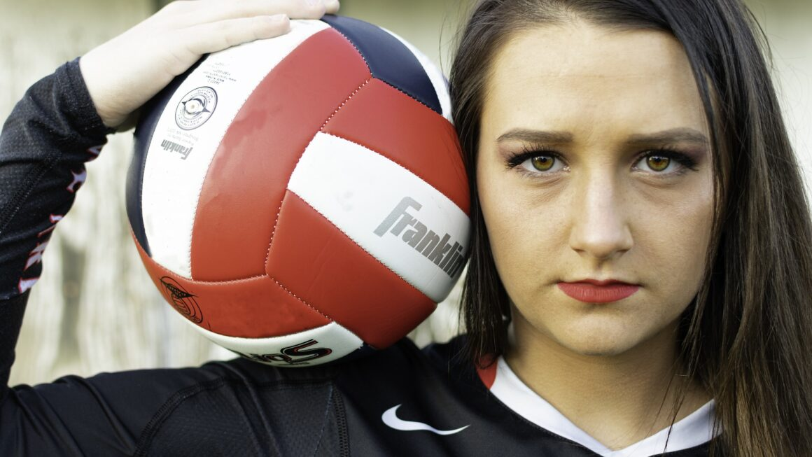 Advantages and Disadvantages of Playing Volleyball