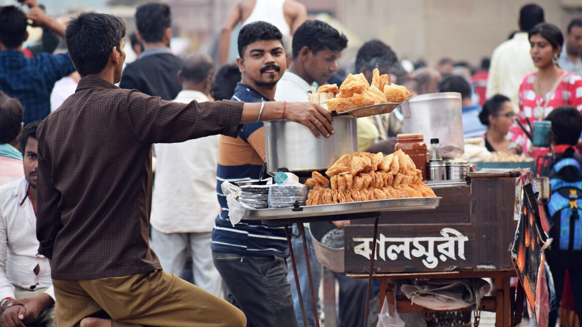 Why We Should Avoid Eating Food From Roadside Vendors?