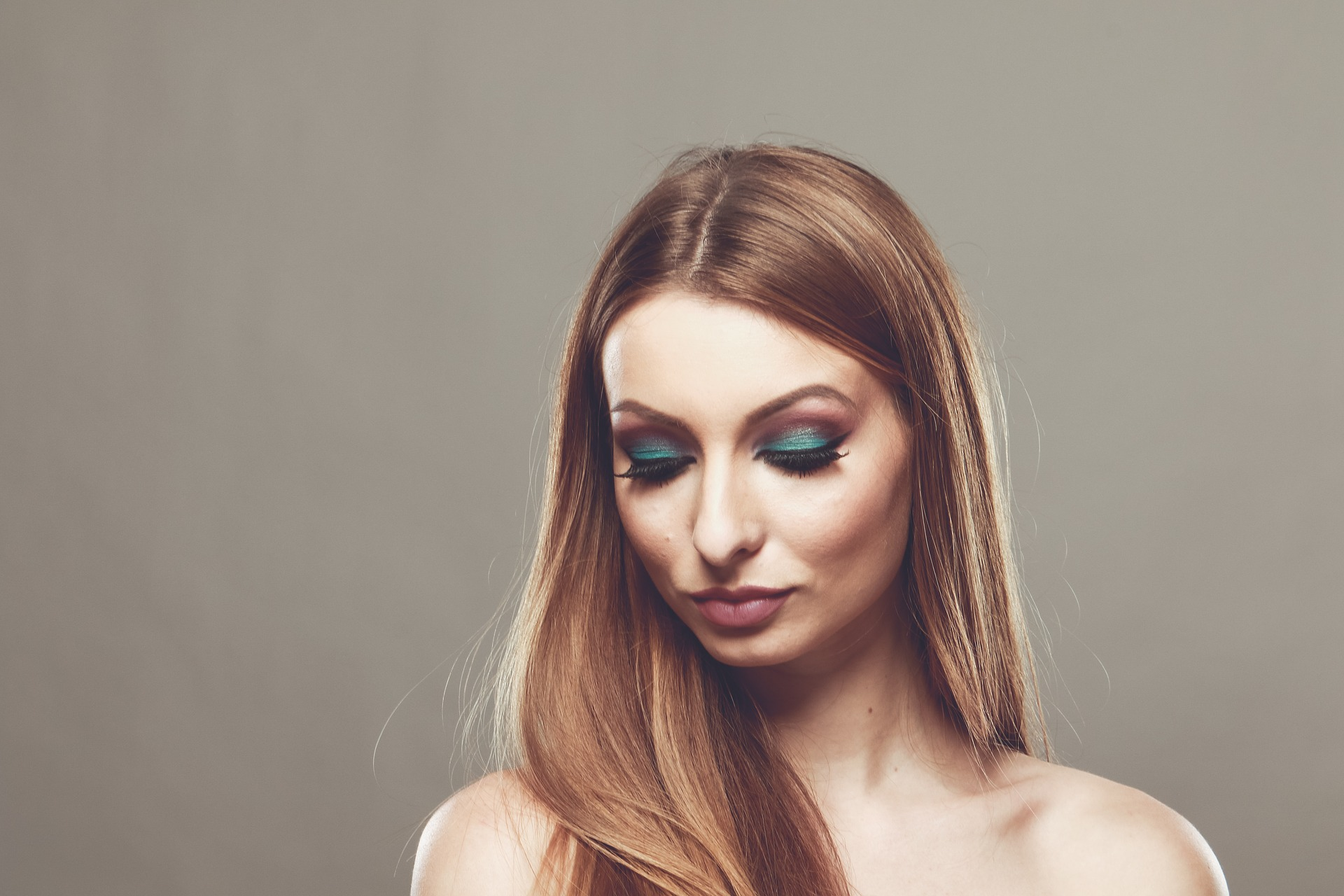 Advantages And Disadvantages Of Using Eyeliner