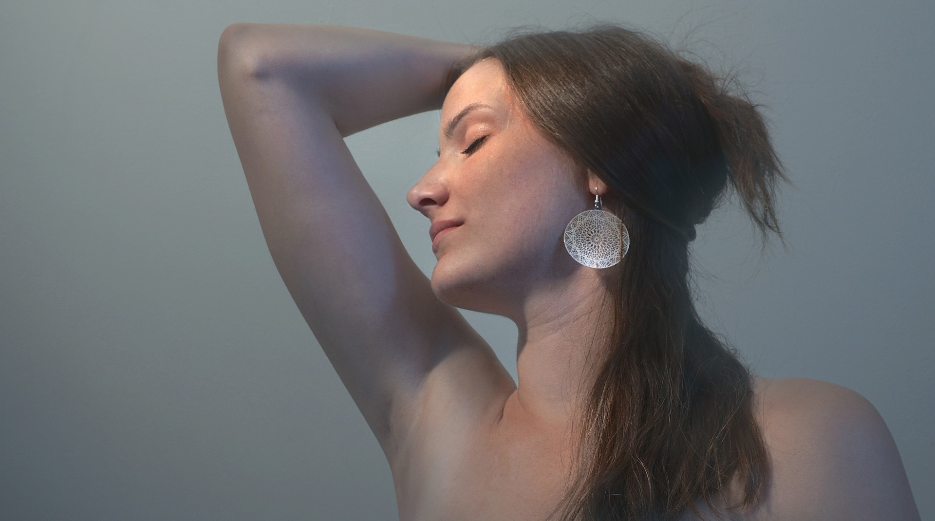 Advantages And Disadvantages Of Wearing Earrings